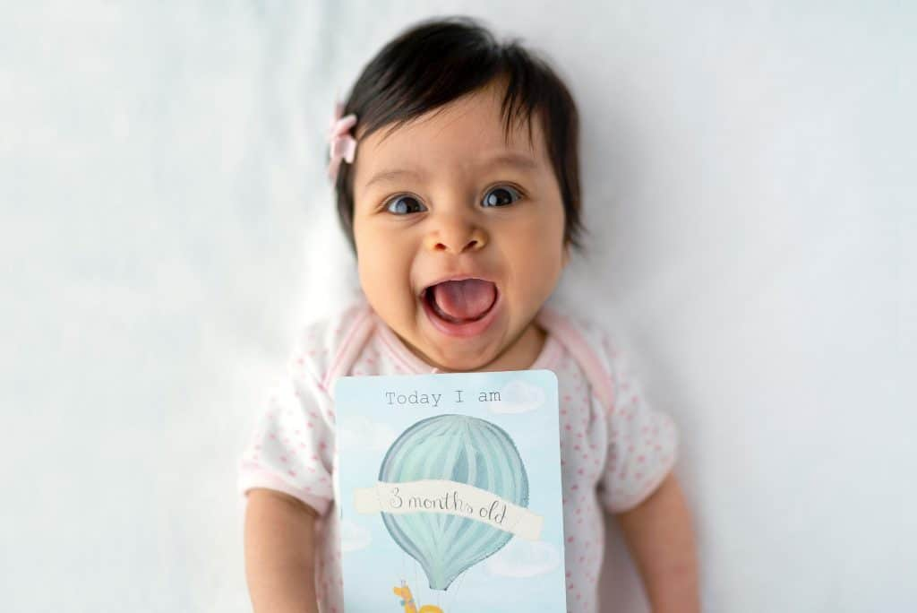 Monthly Baby Picture Ideas For Every Milestone 0 12 Months